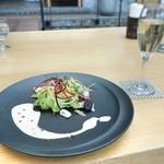 64847513 - ~前菜~   ヤリイカと二種のビーツのグリーンサラダ