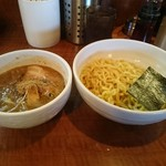 らーめん キラリ - 濃厚魚介味噌つけ麺。メチャウマ。