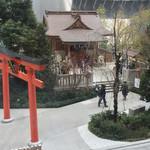 64849316 - 窓の外には福徳神社