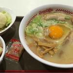 スガキヤ - プレミアムラーメン・サラダセット:700円