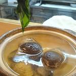 いづ政 - 新若布のしゃぶしゃぶ どんこ椎茸 蛤