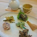いづ政 - うなぎの肝 蛸 山菜 ツブ貝 筍 空豆