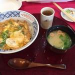 広島カンツリー倶楽部 西条コース - 料理写真:広島赤鶏の親子丼(1100円)