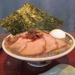 ラーメン 凪 - 丼の形状