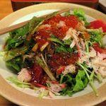六献 - 海鮮サラダ