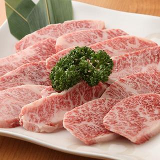 国産黒毛和牛と職人厳選の自慢の肉