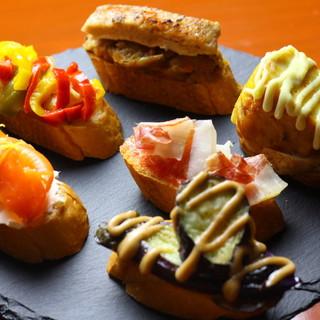 スペインを丸ごとパクリ!定番料理+郷土料理を堪能