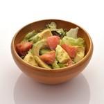 ダ ルイジ - アボカド・トマトとレタスのサラダ