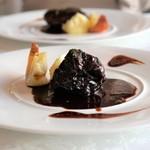 サン・マキアージュ - 牛ホホ肉の赤ワイン煮込み ブッフブルギニヨン