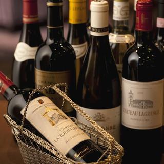 シニアソムリエが料理に合わせて選定したワインも魅力