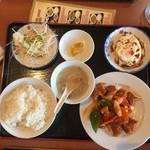 64876225 - 酢豚定食(600円)