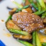 けいらく - 蒜薹炒豬肝(めにんにくとぶたきものいためもの)、豬肝(ぶたのきも)