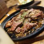 ステーキ&ハンバーグ ひげ - ニクー♪