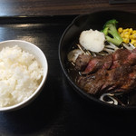 熟成ステーキ 博多肉八 - 牛サガリステーキ定食=1058円 肉は120g