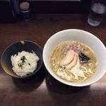 64885628 - 淡麗煮干し中華そば ホタテの塩ダレバージョン&お茶漬けライス