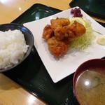 情熱食堂 - 唐揚げ定食(590円)