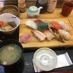こぶや亭 - にぎり定食1296円