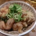 徳田酒店 第3ビルB2店 - おばんざいの、鮭皮の南蛮漬け