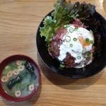 カフェマコト - 自家製ローストビーフ丼