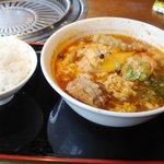 Umedameigetsukan - ピリ辛麺セット(\1000)