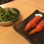 熟成魚と日本酒と藁焼き 中権丸 - 枝豆とトマトスライス
