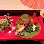 日本料理 百屋 - 竹の子とアボカドの木の芽あえ、卯月の厚焼き玉子、ホタルイカ、菜の花わさびのタルタルソース添え、ゆば豆腐など…