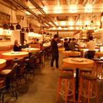 YONA YONA BEER WORKS 新宿東口店 - 店内1