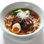 点心楼 台北 - 扣肉湯麺(豚の角煮入り汁そば)
