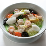 点心楼 台北 - 海鮮三種と野菜入り汁そば、海鮮あんかけ焼きそば
