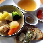 CAFE FROSCH - 麹パンプレート980円