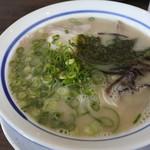博多ラーメンhiro - 料理写真:とんこつラーメン@500