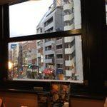 64929245 - 席の窓から見えるトアロード