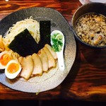 ラーメン 龍の家 - つけ麺 もつ・並盛りスペシャル(1,000円)