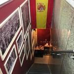バルデエスパーニャ ビルゴ - 急な階段を下りたところが玄関です