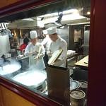 XI'AN - 刀削麺を作ってますよ!