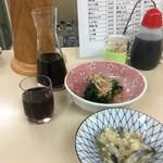 64947240 - ホウレン草のおひたし、鰊の切込み、赤ワインは2本