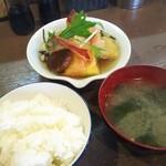 ろばたや貝原 - 料理写真:野菜の揚げ出しランチ680円