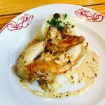 64948944 - スペイン産 雌雛鶏のロースト 粒マスタードソース