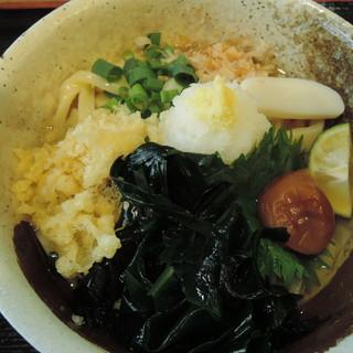 福助 - 料理写真:梅おろしぶっかけ+三陸わかめトッピング