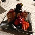 ロウル ダイニング&パティスリー - 料理写真:イチゴショコラミルクレープ@850