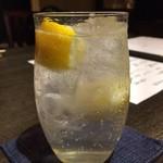 和酒和食 恵比寿 黒帯 - 生レモンサワー