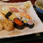芝蔵 - 料理写真:ランチ にぎり寿司