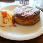 EMPORIO cafe&dining - バニラアイスが添えてあります♡