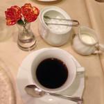 フレンチ レストラン 九段プレジール - コーヒー