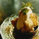 ザリガニカフェ - honey cinnamon toast