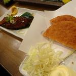 魚屋がはじめた旨い居酒屋 夢酒場 魚昇本店 - ハムかつ(180円)と味噌串カツ(180円)
