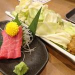 魚屋がはじめた旨い居酒屋 夢酒場 魚昇本店 - 中トロセット(ドリンク付で980円)
