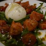64966466 - ブラッティーナチーズとフルーツトマトのサラダ1600円