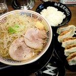 麺屋ZERO1 - 麺屋ZERO1 @西葛西 ガッツリラーメン+餃子+ライス