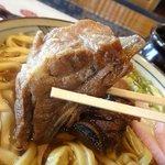 うめ繁 - ソーキ(豚あばら肉)のアップ